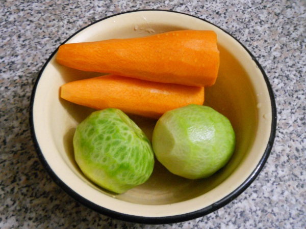 морковь и зеленая редька