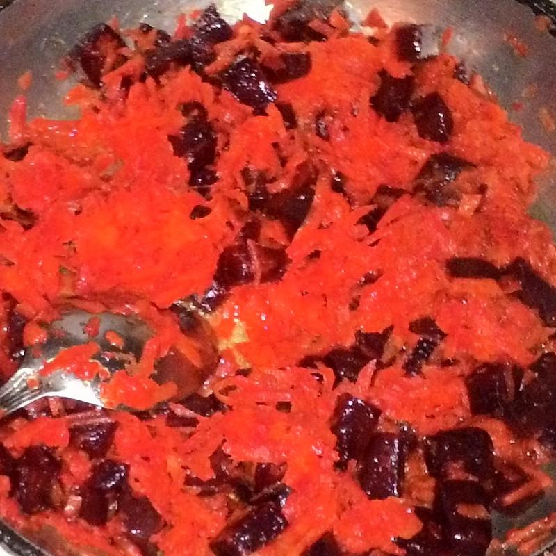 зажарка из свёклы и моркови для борща
